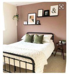 Dusty Pink Bedroom, Light Pink Bedrooms, Pink Bedroom Walls, Rose Bedroom, White Bedroom Decor, Bedroom Wall Colors, Bedroom Green, Room Ideas Bedroom, Master Bedroom