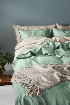 Washed linen duvet cover set - Dusky green - Home All | H&M
