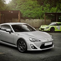 Toyota GT86 and Vauxhall VX220 #cars #automotive #wallpaper #photo Photographer: Kev Haworth.  License: Creative Commons Attribution-NonCommercial 2.0 Generic
