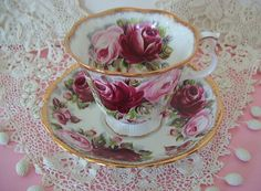 Vintage ROYAL ALBERT England SUMMER BOUNTY Series RUBY Roses TEA CUP & SAUCER A+