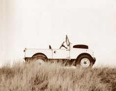 go anywhere LandRover, not just a pretendie SUV