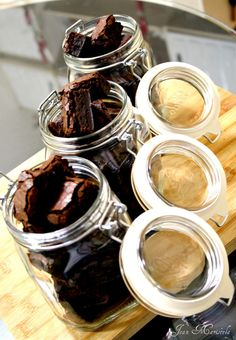 Brownies in a jar - a delicious homemade gift idea