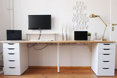 The IKEA Kallax collection Storage furniture is an essential element of any home. Elegant and wonderfully simple the shelf Kallax from Ikea , for exa Ikea Home Office, Home Office Space, Ikea Office Hack, Desk Hacks, Ikea Hacks, Hacks Diy, Office Hacks, Office Ideas, Desk Ideas