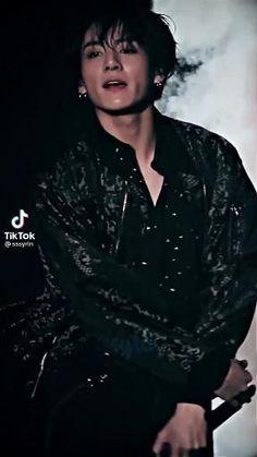 Foto Jungkook, Jungkook Songs, Jungkook Abs, Kim Taehyung Funny, Foto Bts, Bts Taehyung, Bts Jimin, Bts Aegyo, Die Beatles