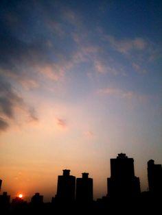 2014年第一天的是陽光 是夕陽 第一天就要結束 新的一年才正開始