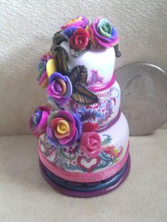 Dollhouse Miniature half scale wedding cake by CSpykersMiniatures, $19.00