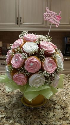 Trendy Birthday Cupcakes For Mom Mothers Cup Cakes 68 Ideas Cupcake Flower Bouquets, Flower Cupcakes, Cake Flowers, Deco Cupcake, Cupcake Cookies, Cupcakes Design, Cake Designs, Cupcakes Flores, Patisserie Fine