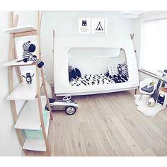 A real Tipi kidsroom with our Tipi bed and bookcase. Perfect @annemiek_jimenjames! #woood #tipi #kidsroom #kinderkamer #bedroom