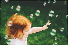 Love Bee Photography children 4 bubbles!