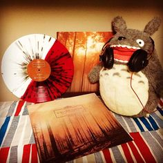 Totoro chooses good music | If These Trees Could Talk - Red Forest #totoro #ifthesetreescouldtalk #redforest #postrock #instarecords #vinyl #vinyls #vinile #nowspinning #nowplaying #records #recordcollection #Vinylgen_Feature #vinylclub #vinyllove #vinylporn #vinyljunkie #vinylcollector #vinylrecords #vinylcollectionpost #vinylstagram #vinylrecords #vinyladdict #lp #instavinyl #colouredvinyl #vinyloftheday #vinyllife #vinyligclub #sennheiser #momentum by sakurambo