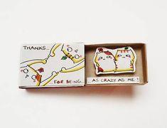 """Freundschafts-Karte / Katze Karte / Freund Valentine Matchbox / Geschenk box / """"Thanks for being so verrückt wie mich"""" / Geschenk für Reisende / – บล็อกของขวัญ DIY ของฉัน 2019 Creative Gifts For Boyfriend, Presents For Boyfriend, Boyfriend Gifts, Happy Birthday Cards, Diy Birthday, Birthday Presents, Crazy Best Friends, Matchbox Crafts, Friendship Cards"""