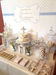 First communion / baptism sweet table Decoration Communion, Baptism Party Decorations, Communion Centerpieces, Baptism Party Favors, First Communion Decorations, Wedding Favors, Shower Centerpieces, Wheat Centerpieces, Balloon Decorations