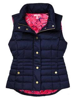 Lilly Pulitzer Isabelle Puffer Vest Cute Fall Outfits, Preppy Outfits, Preppy Style, Fall Winter Outfits, Autumn Winter Fashion, My Style, Winter Clothes, Lilly Pulitzer Prints, Night Outfits