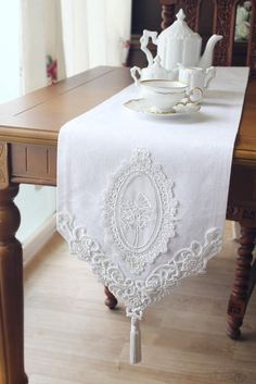 Beautiful Design- VTG Antique Handmade Table Runner,Embroidery&Lace Good for craft projects and home decoration Various patterns is composed of a sheet. Size of each fabric : Fabric : Jacquard Limited Stock! Sunny Park Fabric and Interior Table Runner And Placemats, Lace Table Runners, Wedding Table Deco, Wedding Tables, Casas Shabby Chic, Handmade Table, Etsy Handmade, Handmade Items, Handmade Wedding