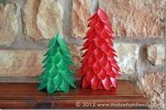 cute christmas idea: christmas tree made with plastic spoons