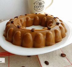 Gelatina de café con leche. Receta de primavera Cold Desserts, Sweet Desserts, No Bake Desserts, Sweet Recipes, Delicious Desserts, Gelatin Recipes, Jello Recipes, Mexican Food Recipes, Traditional Mexican Desserts