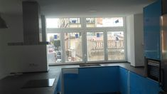 Ventanas oscilo-batiente serie STYLE 65 RPT, en lacado blanco con cristal bajo emisivo. Bathtub, Windows, Bathroom, Bass, Crystals, Standing Bath, Washroom, Bathtubs, Bath Tube