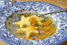Cheese starch - recipe - The recipe for the cheese stars is a wonderful soup inlay for cold winter days. New Years Eve Snacks, New Year's Eve Appetizers, Soup Appetizers, Quick And Easy Appetizers, Appetizer Recipes, Soup Recipes, Starch Foods, Charcuterie And Cheese Board, Grilled Fruit