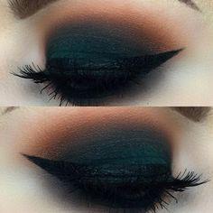 Maquillaje de ojos estilo smokey eyes  Inspiración para un maquillaje natural  Tendencias en maquillaje de ojos 2017 Ideas de maquillaje para morenas Maquillaje de labios primavera-verano Fuente: Pinterest.com