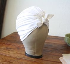 DEADSTOCK Vintage 60s Turban / White Mod Hat / 1960s Pleated Turban Hat by mousevoxvintage, $32.00