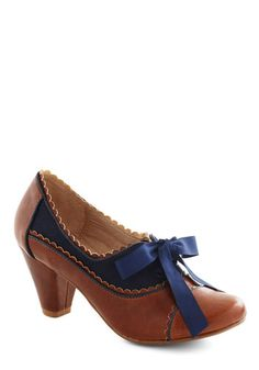 Adorable 1930s Style Shoes- Blue and brown oxfords- Notch Your Step Heel in Cognac http://www.vintagedancer.com/1930s/buy-1930s-style-shoes-for-women/