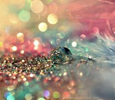 pastel, pastels, pastel colors, feather, sparkles - inspiring picture on Favim. Ciel Rose, Fotografia Macro, Sparkles Glitter, Glitter Art, Pink Glitter, Favim, All That Glitters, Pretty Pastel, Belle Photo
