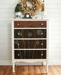 Ever see a DIY and say I want to try that! My friend Brooke @brooke_startathome makes me say that alot. Look at this great piece! She is as sweet as she is talented. Definitely #onetofollow.