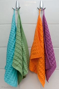 Knitted towels. Such happy colors... pattern downloads as free pdf on www.sandness.no