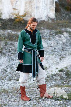 Tunica medievale da uomo Questo è un elegante biancheria di lino tunica maschile. E 'realizzato in 100% lino di lino naturale con accenti di lino bianco e con l'assetto sulle maniche. Lunga cintura rifilata