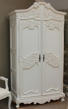 French Chateau Carved Armoire With 6 Drawers A super lovely Shabby Chic Armoire beautifully carved. View more from our collection. Armoire Shabby Chic, Muebles Shabby Chic, Shabby Chic Mode, Style Shabby Chic, Shabby Chic Stil, Shabby Chic Bedrooms, Shabby Chic Kitchen, Rustic Style, Chabby Chic