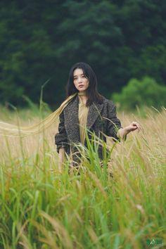 Kim Ji Won, Behind The Scenes, Raincoat, Photoshoot, Actresses, Couple Photos, Couples, Dramas, Korean