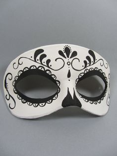 Day of the Dead Swirl Black and White Leather Mask Unisex Halloween Masks, Halloween Makeup, Black And White Costume, Mascarade Mask, Day Of The Dead Mask, Skull Mask, Leather Mask, Venetian Masks, Masquerade Party