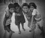 Gibara - CUBA - 2007_Happy kids on the street