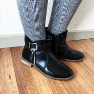 How to style boots Black Ankle Boots, Winter Outfits, What To Wear, Plaid, Leggings, Stylish, Grey, Shoes, Fashion