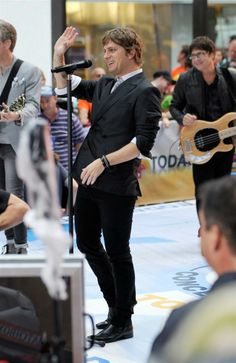 MATCHBOX 20                                                                  LIVE on the TODAY Show                                                 Lead Vocalist •Rob Thomas                                                   (Front and Center)  Great Band!