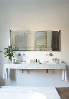 Rose Uniacke eclectic contemporary modern bathroom with antique mirror marble sink and patina vintage hardware Small Space Bathroom, Laundry In Bathroom, Small Spaces, Bad Inspiration, Bathroom Inspiration, Bathroom Ideas, Bathroom Renovations, Budget Bathroom, Bathroom Interior