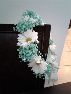 Aqua, turquoise Flower Crown. Turquoise babies breath, with white daisies flower crown. #freshflowercrown #aquaflowercrown #turquoiseflowercrown #turquoisewhiteflowercrown #babiesbreathdaisiesflowercrown