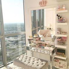 #repost 😍😍😍 Estou fazendo o meu Closet! Quer saber mais sigam @closetvestidoca. Dicas e inspirações para seu Closet! @closetvestidoca . . . . . . . #vestidoca #decor #decoration #closet #penteadeira #quartodemenina #instagood #likes #closetvestidoca #dress #blogger #cute #instalikes #design #arquitetura #interiores #bbwinstagramersinstalikes #make #makeup #montesclaros #construcao #chic #fashion
