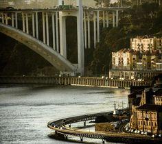 Uma visão única da Cidade do Porto... Places Ive Been, Places To Go, Porto City, Douro, Portugal Travel, Sydney Harbour Bridge, 1, Europe, In This Moment