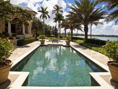 Nothing beats a Sarasota Florida luxury waterfront home