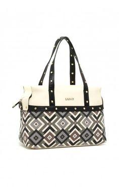 7e8e7cc819 10 fantastiche immagini su bags | Beige tote bags, Backpack purse e ...