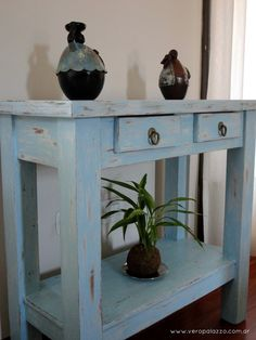 Decapando / Vero Palazzo - Home Deco Diy Furniture Projects, Furniture Making, Furniture Makeover, Home Crafts, Diy Home Decor, Entry Tables, Farmhouse Furniture, Wooden Crafts, Wood Table