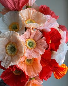 Crepe Paper Icelandic Poppy -- Paper Flowers for Home Decor or Weddings Faux Flowers, Diy Flowers, Fabric Flowers, Flowers Garden, Purple Flowers, Icelandic Poppies, Do It Yourself Inspiration, Tissue Paper Flowers, Paper Flowers Wedding