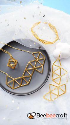 Diy Jewelry Rings, Wire Jewelry Designs, Handmade Wire Jewelry, Diy Crafts Jewelry, Bracelet Crafts, Bead Jewellery, Beaded Jewelry, Diy Earrings Easy, Diy Bracelets Easy