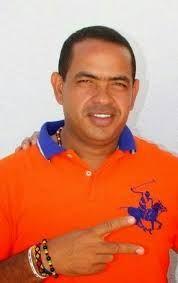 Fabio Velásquez Rivadeneira, aspirante a la alcaldía de Riohacha, convocó rueda de prensa