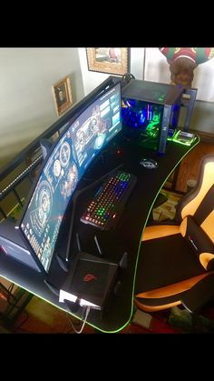 Impressive Video Game Room Decoration Suggestions - HomeBestIdea Awesome Gaming PC Setup - Best Gaming PC Setup - Rate this setup! Setup Desk, Gaming Desk Setup, Computer Setup, Pc Setup, Gaming Computer, Gaming Headset, Gaming Pcs, Computer Technology, Desk Layout