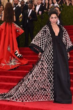 Vogue explores Lady Gaga's most fashion forward looks and memorable onstage outfits. See Lady Gaga's performance style evolution Lady Gaga Outfits, Lady Gaga Fashion, Gala Dresses, Red Carpet Dresses, Nice Dresses, Lady Gaga Met Gala, Alexander Wang, Met Gala Outfits, Lady Gaga Pictures