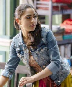#❤❤Queen's_World ❤❤ #Sara_Ali_Khan #cutie #beauty #superb #gorgeous #damn_looks #fav #lovely #denim