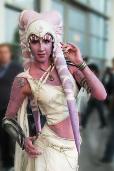 Cira Lay Vegas as Twi'lek at GamesCom 2015