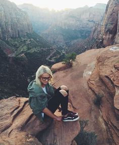 Who's That Vans Girl? Meet Sydney Larsen & learn her styling tips for transitioning your Winter wardrobe into Spring.